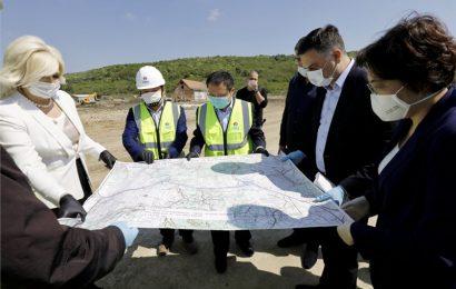 [新聞] 中國駐塞爾維亞大使陳波視察貝爾格萊德環城路項目